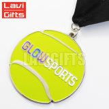 Medalla antigua de encargo del deporte del tenis del acabamiento con el oro plateado