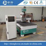 Маршрутизатор CNC 3 дверей резцов головок пневматический изменяя деревянный