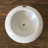 접시를 가진 작은 백색 다즙 세라믹 남비