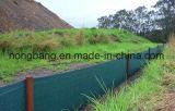 黒い緑のポリプロピレンによって編まれる沈泥の塀