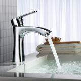 Grifo de cobre amarillo del lavabo del cuarto de baño de la sola maneta en golpecito de agua del final del cromo