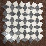 Thassosの白いおよび灰色3D立方体の大理石のモザイク・タイル