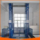 Elevador de levantamento Chain hidráulico da carga do trilho de guia do armazém logístico