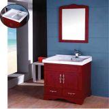 Cabina de cuarto de baño de madera derecha del nuevo suelo con el espejo