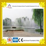 Fonte seca da caraterística da água do jardim com bocais subterrâneos