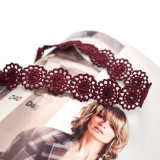 Colar Handmade gótico do Choker da flor do laço do Crochet de duas cores