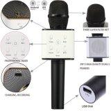 Microfono tenuto in mano dell'altoparlante di Bluetooth del microfono senza fili di karaoke
