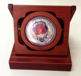 Rectángulo de moneda de oro del recuerdo con la pieza inserta roja