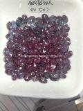 Le laboratoire a produit les pierres gemmes desserrées d'Alexandrite