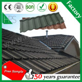 A areia de pedra da telha do material de construção revestiu a telha de telhado de aço galvanizada metal