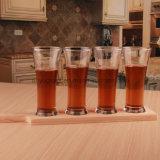 Vetro di colpo del vino, tazza di birra, tazza della spremuta o tazza bevente della bevanda