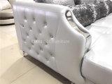 水晶ボタンが付いているチェスターフィールド新しいLizzの革ソファー