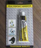 Gefäß, das Allzweckneopren-Kontakt-Kleber packt