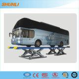 完全な高さは観光バスのための上昇を切る