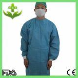 Plástico disponible/vestido quirúrgico no tejido