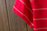 빨간 여자 옷을%s 불쾌에 의하여 수를 놓는 줄무늬 여자 폴로