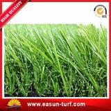 Het mooie Groene Kunstmatige Gras van het Landschap van de Decoratie van de Tuin