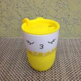 Чашка фарфора с пластичной втулкой силикона крышки