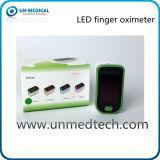 4 colores de la venta caliente pantalla LED dedo oxímetro de pulso / Disponible