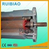 Работа подъемного двигателя мотора строительного подъемника с соединением коробки передач