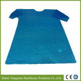 Wegwerf-PET wasserdichtes Lokalisierungs-Kleid mit kurzen Hülsen