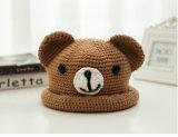 Подгонянные зимой Handmade шлемы младенца с картиной медведя