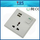 Всеобщие 5V 2.1A определяют стенную розетку USB UK с переключателем