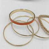 De heldere Armband van het Plateren met Parels en de AcrylJuwelen van de Armband