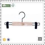 Cintre en bois de couleur blanche pour la bride de fixation de couche de procès