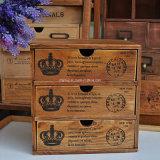 Annata europea antica che impacca Governo di legno