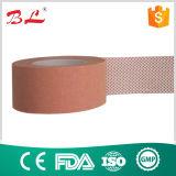 El óxido de zinc cinta cinta adhesiva quirúrgica con el agujero de pegamento especiales Coating Technology