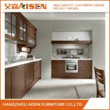 シェーカーのドア様式の台所家具の純木の食器棚