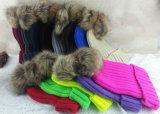 O Beanie feito malha Crochet da pele POM do Raccoon grande Bobble o chapéu