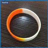 Bracelet promotionnel de silicones de logo d'impression