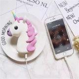 Accessoires à la mode de téléphone mobile de côté de pouvoir de la licorne 2600mAh