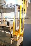 Una pressa idraulica da 600 tonnellate