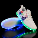 2016の新しいデザイン網明るいパターン大人LED軽い靴