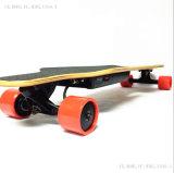 Elektrisches Hoverboard 4 roter Räder mit dem zwei Marken-Motor
