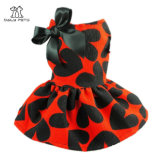 La robe adorable de crabot d'animal familier de bande de coeur de sueur vêtx des chemises