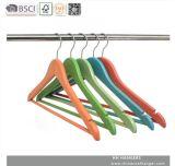 청바지를 위한 도매 나무로 되는 옷 걸이 걸이를 위한 주문 다채로운 셔츠 상단 옷 걸이