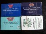 Tarjetas que juegan de papel de la pregunta y de la respuesta