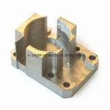 Piezas de metal con piezas de mecanizado