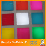 Hoja de acrílico del color de productos de iluminación / láminas de plástico PMMA plexiglás para Publicidad