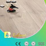 Plancher en stratifié stratifié en bois en bois V-Grooved de la planche 12.3mm HDF de vinyle