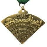 medalla promocional del deporte de bronce antiguo del maratón 3D