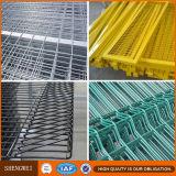 Il PVC ha ricoperto il triangolo che piega la rete fissa saldata della rete metallica