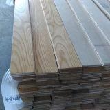 La cendre blanche a conçu le plancher en bois gravé en relief
