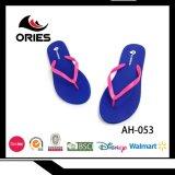 Просто основная удобная обувь женщин сплошного цвета