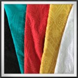幾何学的な刺繍のレースを感じるレーヨン刺繍のレースのよい接触