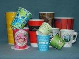 Tazza a gettare del gelato delle tazze di carta